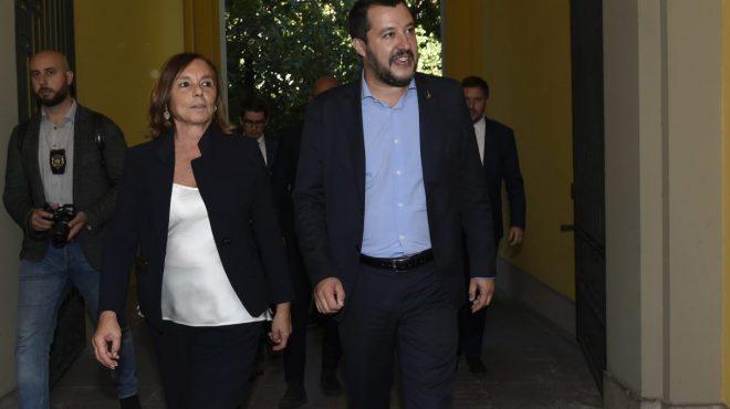 """Lamorgese """"Arrivare a sintesi su Ius Soli"""", Salvini """"Pensi a scafisti"""""""