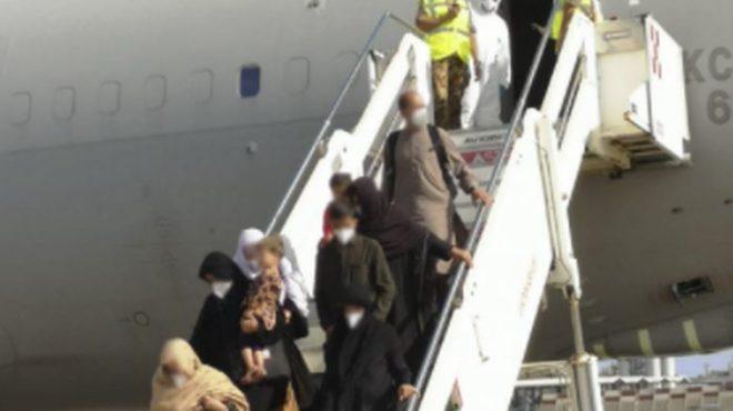 Al via il ponte aereo dall'Afghanistan, atterrato il primo volo