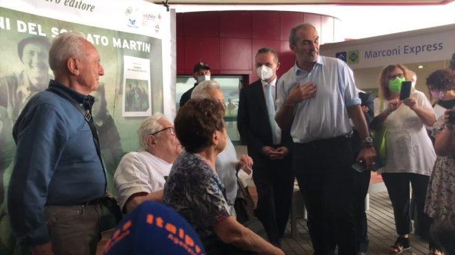 """Bologna, il soldato Martin riabbraccia i """"bimbi del '44"""""""