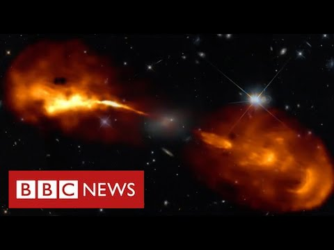 Stunning images of galaxies reveal how black holes devour stars - BBC News
