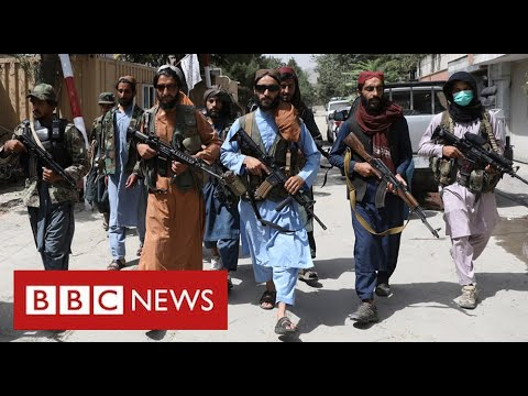 """Taliban """"shooting protesters"""" as thousands try to flee Afghanistan - BBC News"""