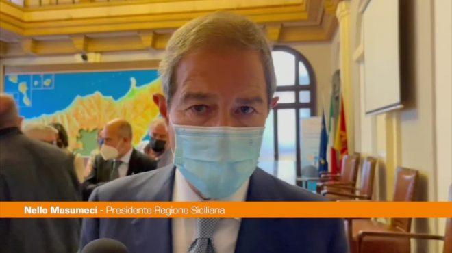 """Vaccino, Musumeci: """"D'accordo su terza dose, attendiamo il Governo"""""""