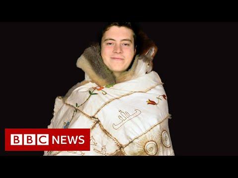 Reviving the Aboriginal cultural tradition of possum skin cloaks - BBC News