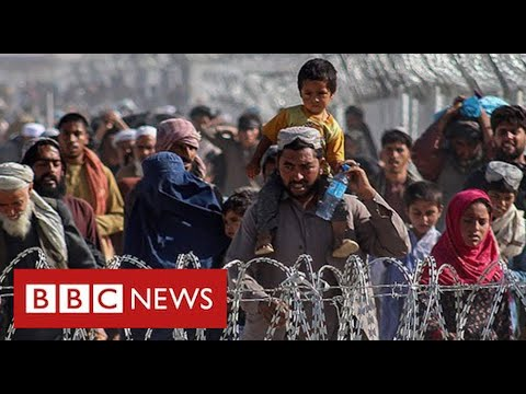 Thousands of Afghans flee to Pakistan following Taliban victory - BBC News