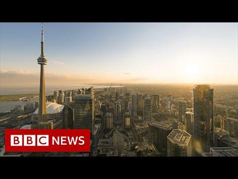 Why it takes 30 years to buy a house in Canada - BBC News